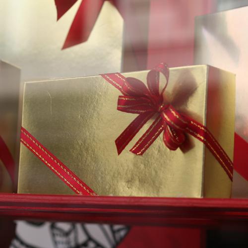 Choklad i guldförpackning - guldkant på vardagen